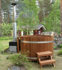 Купель с подогревом воды на 2,2 м из кедра с наружной печкой